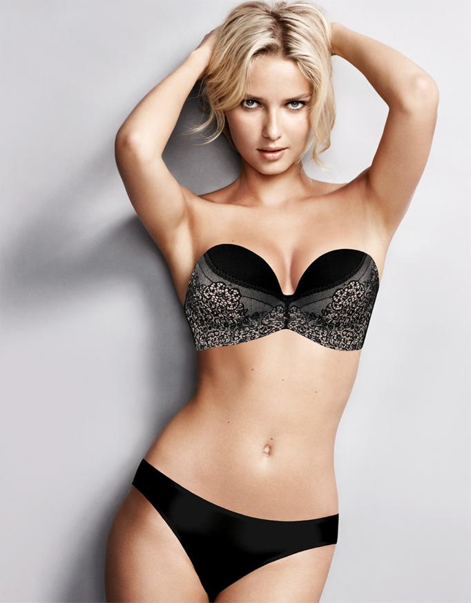 model wears wonderbra ultimate lace black
