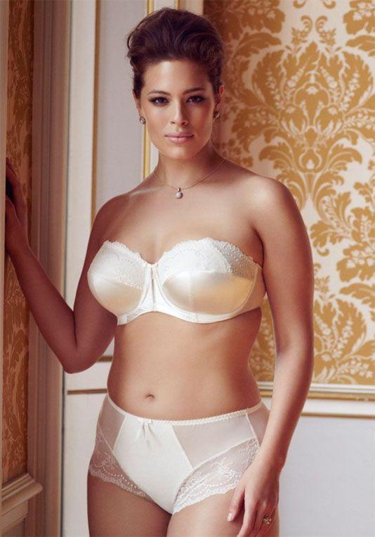 model wears elomi maria strapless bra ivory