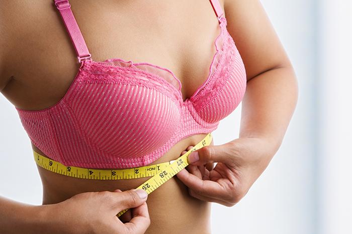 women bra fitting