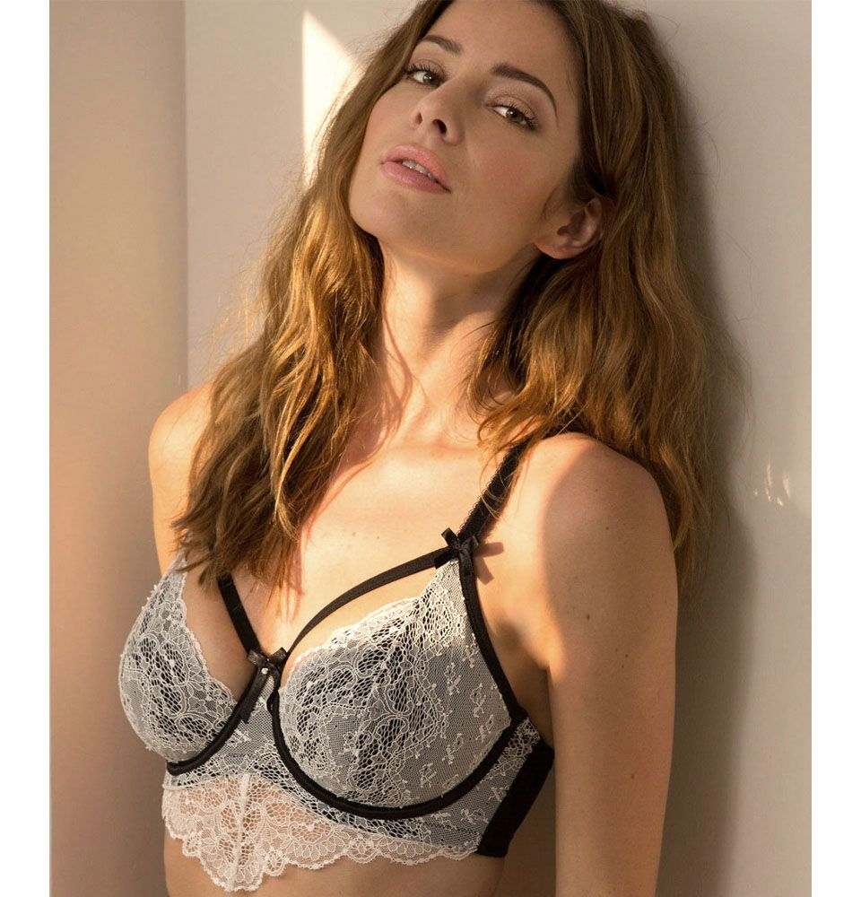 pour moi obsession ivory black