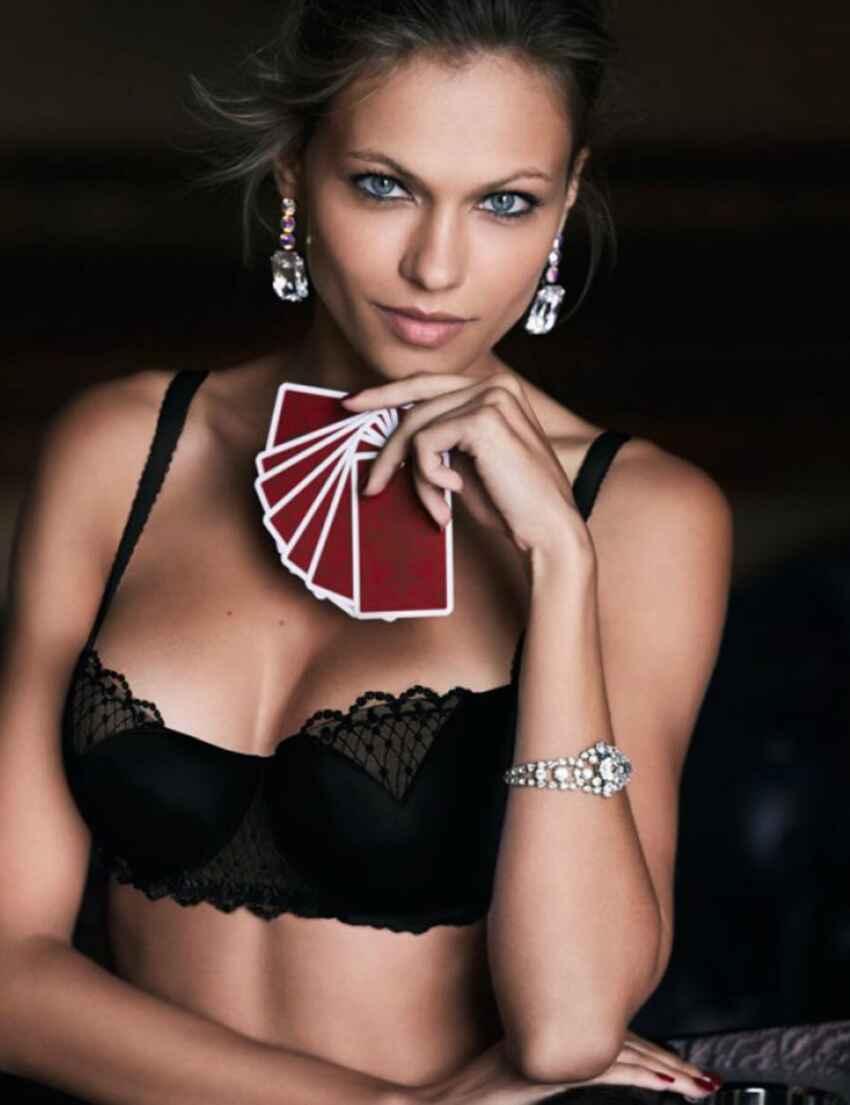 12b5bcb3a4b22 Save · W05G2 Wonderbra Modern Chic Padded Push-Up Balcony Bra - W05G2 Black