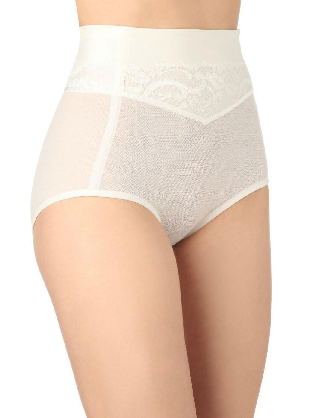 10125584 Triumph Beautiful Sensation Panty Girdle - 10125584 Brief